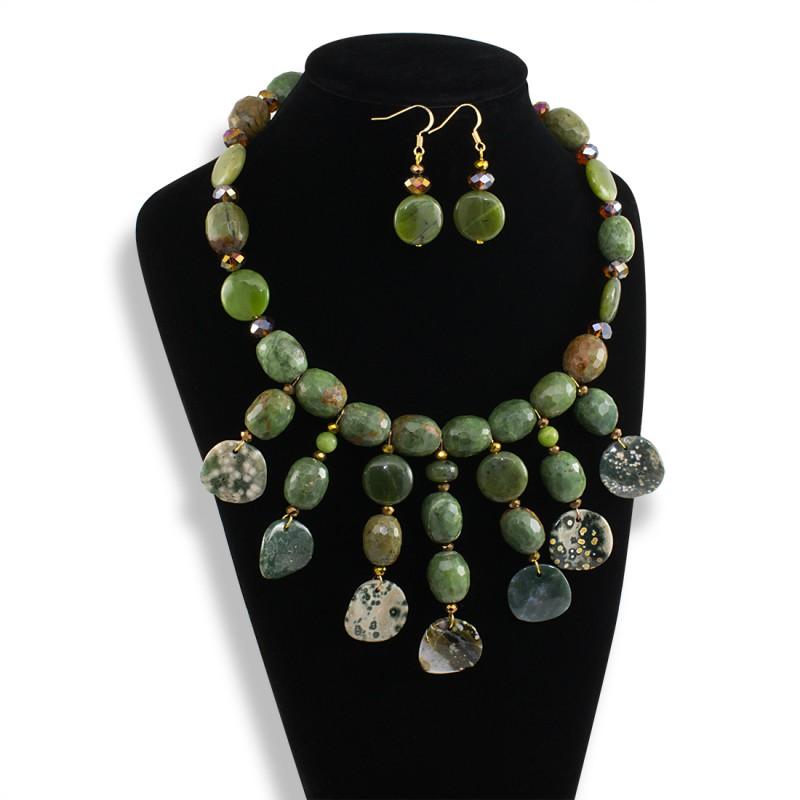 35901bd1ea91 Collar Jade y Agata Verde - Bisuel