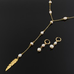 Collar y aretes perlas cultivadas y pluma