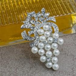 Broche Prendedor Con Perlas Y Cristales